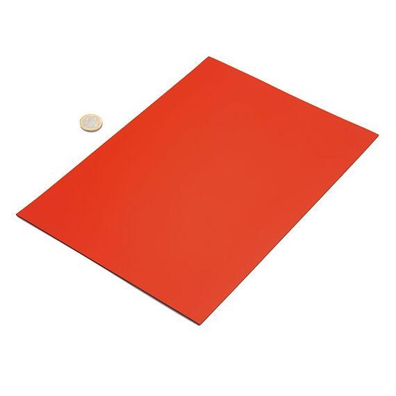 Červená magnetická fólie – arch A4
